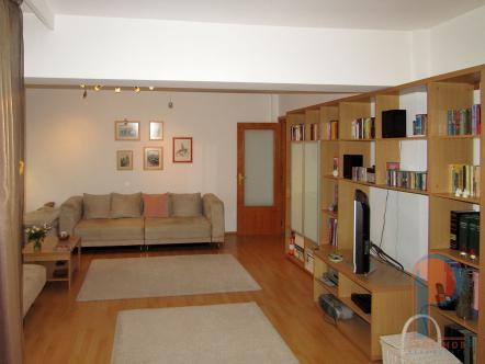 Apartament Titulescu bloc dupa 1980